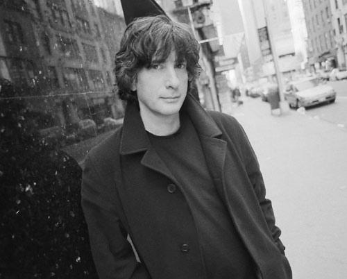 neil gaiman on writing Neil gaiman started writing his novels longhand in the '90s he told buzzfeed: i started with stardust: it was (in my head) being written in the 1920s, so i bought a.