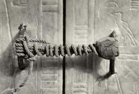 unbroken-seal-ofking-tut-tomb